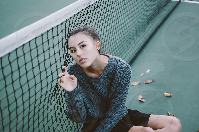 Tennis court portrait girl green photo