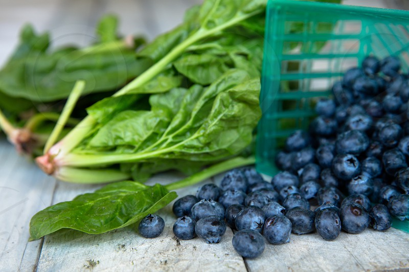 spinach and blueberries photo