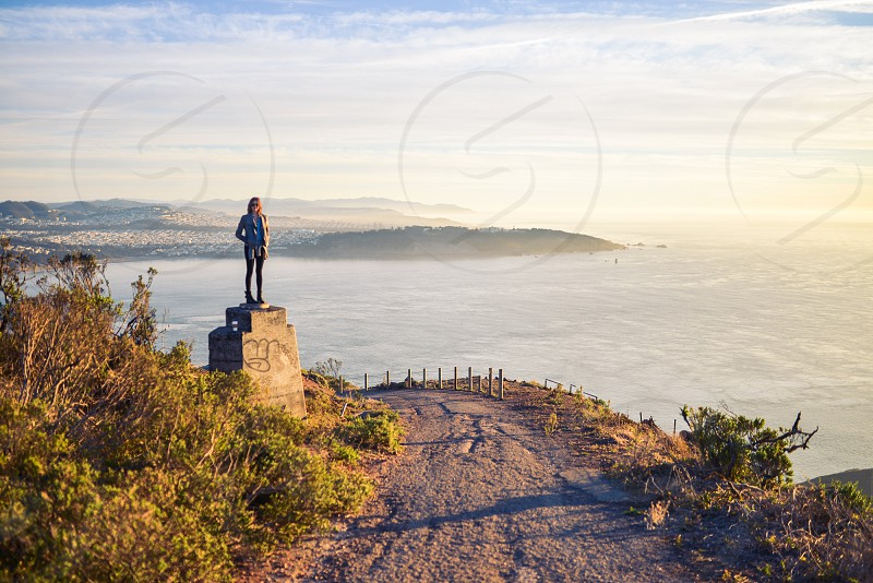 san francisco bay light girl ocean wanderlust travel photo