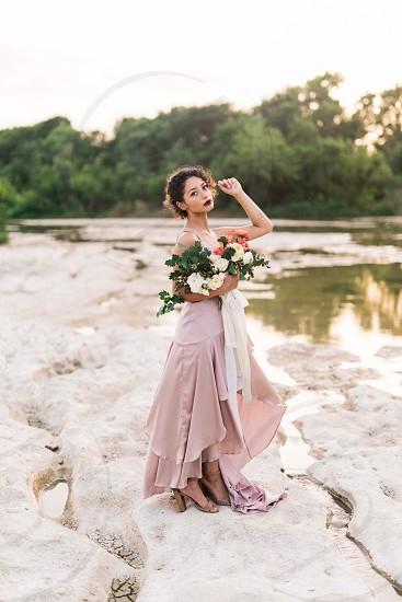 Portrait bridal pink flowers  photo