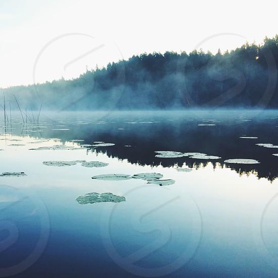 reflecting lake photo