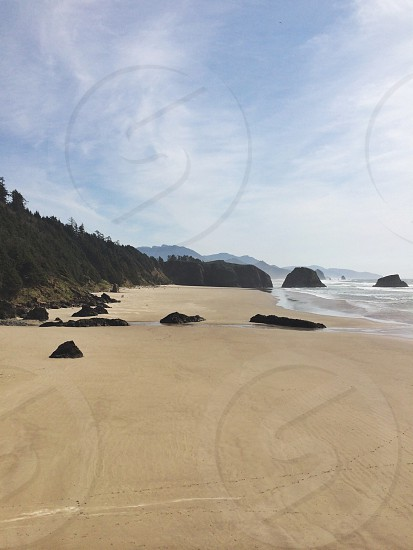 sea shore line view photo