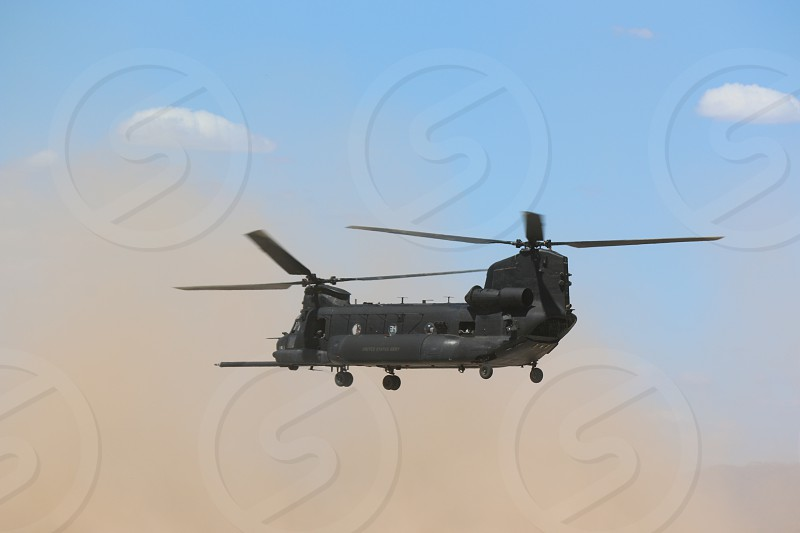 CH-47 Chinook photo