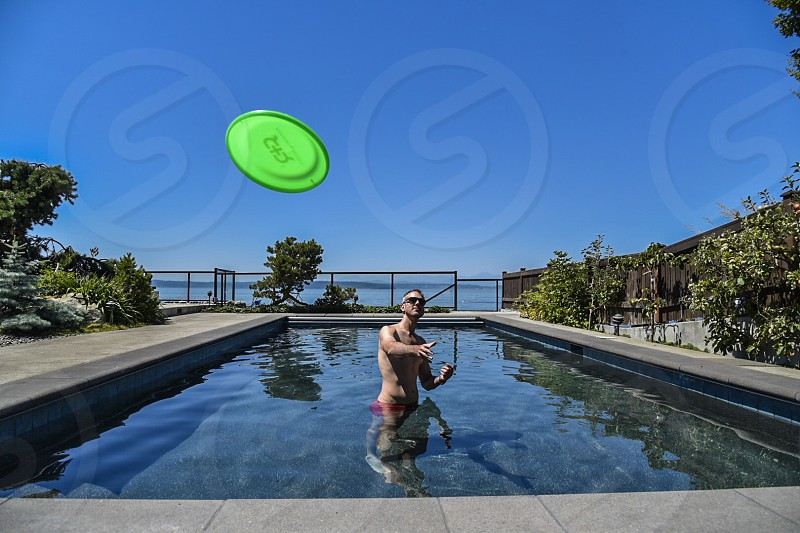 Pool frisbee  photo