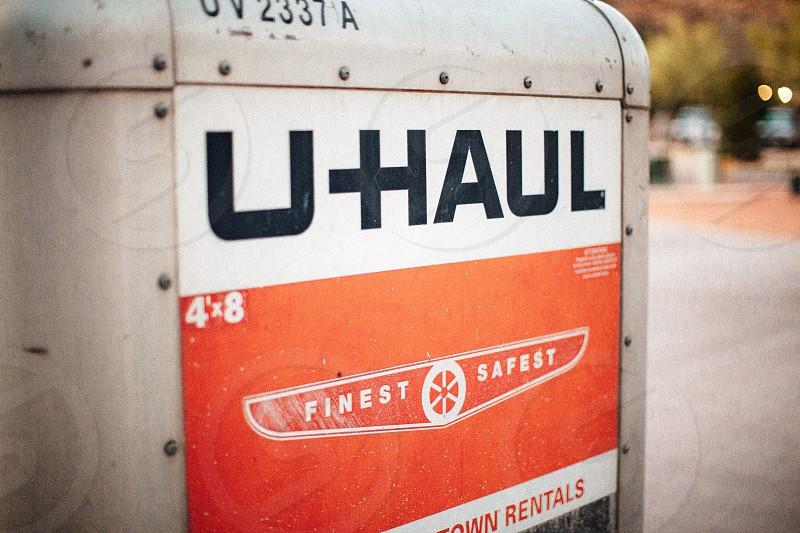 u haul uv 2337 a photo