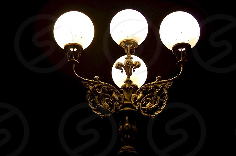 Italy Florence italia Firenze travel explore nightlife nighttime lamp street lamp light dark night architecture style globe photo