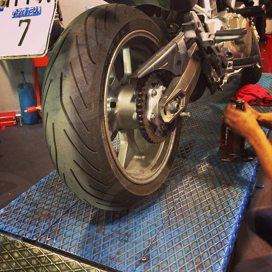 Bike sport wheel tire chain service  photo