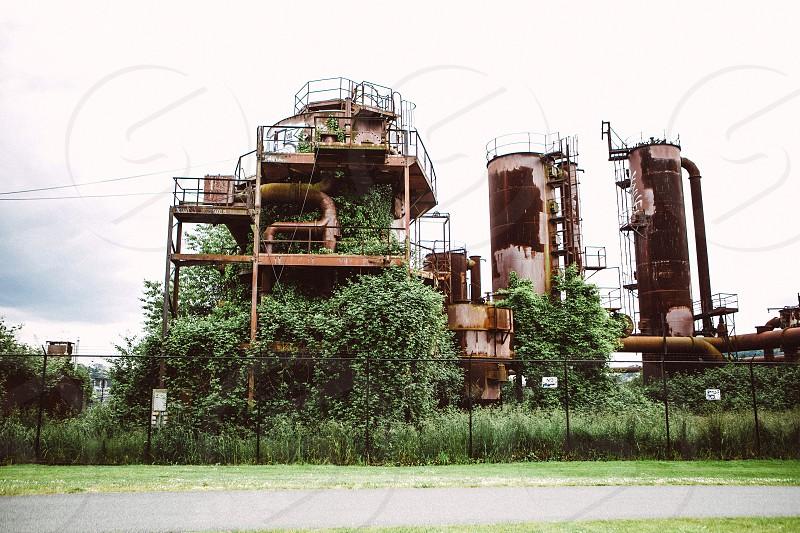 beige oil rig photo