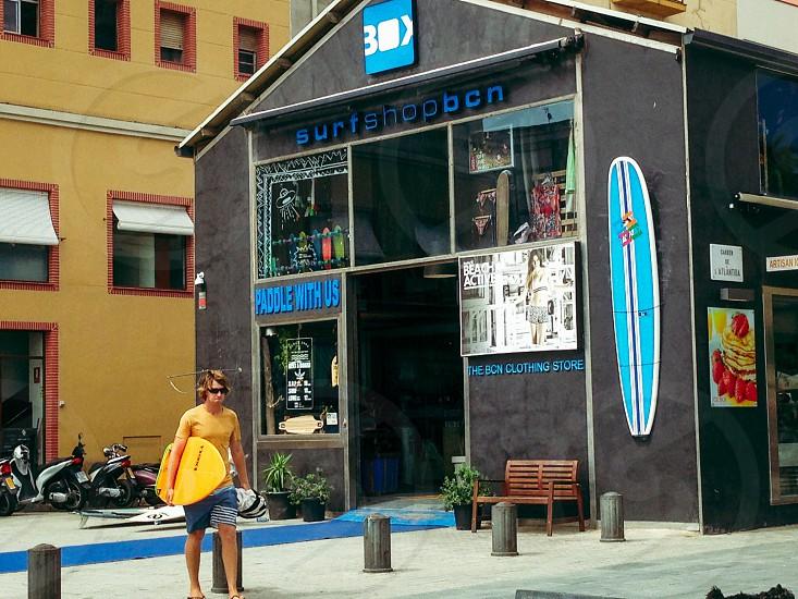 men's blue stripe board shorts photo