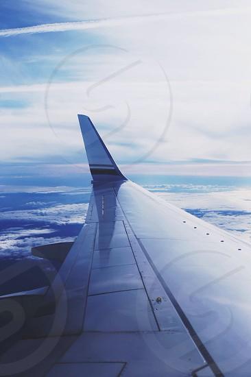 airplane wings vie w photo