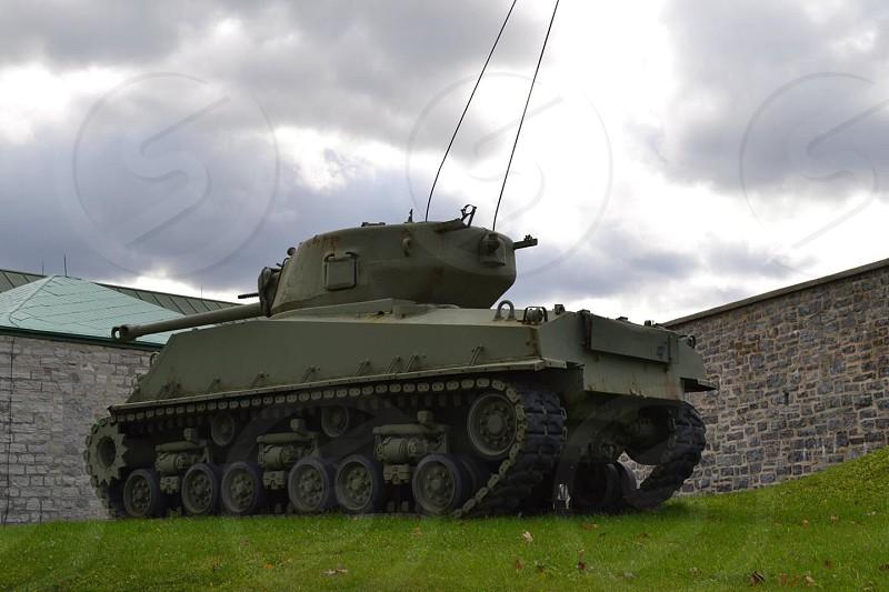 gray military tank photo