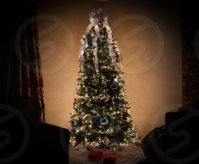 green turned on christmas light photo
