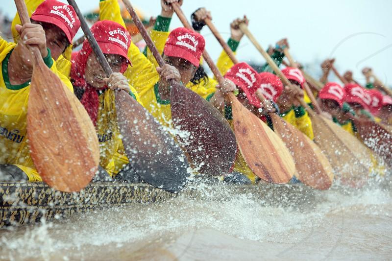 Ruderinnen beim traditionellen Bootsrennen auf dem Mekong River in Vientiane der Hauptstadt von Laos in Suedostasien.   photo
