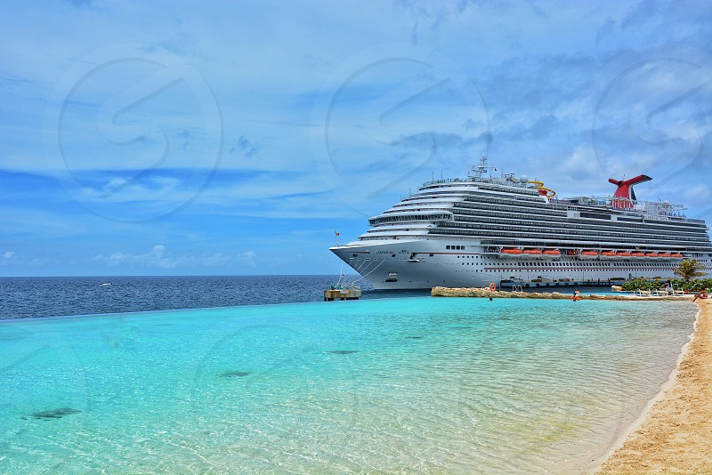 caribbean cruise photo