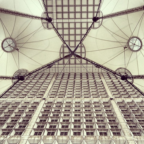Grande Arche de la Défense Paris  #architecture #paris #defense #white photo