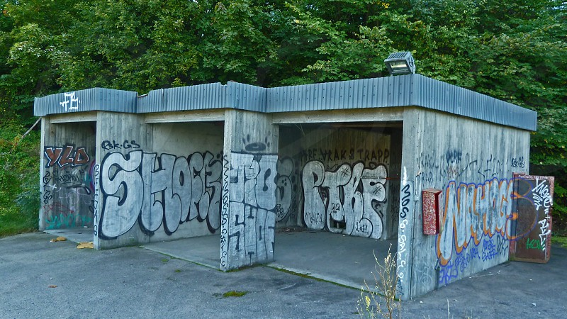 graffiti on wall photo
