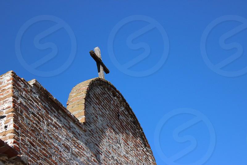 brown bricked church photo