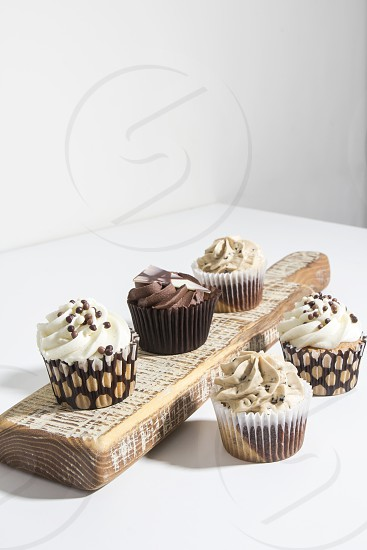 cupcakes; still life; food; sweet; beige;  photo