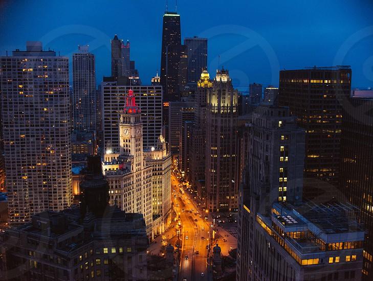 gray skyscraper building photo