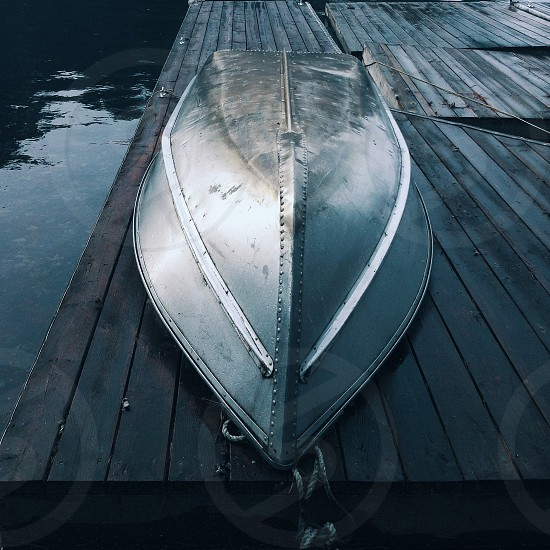gray canoe photo