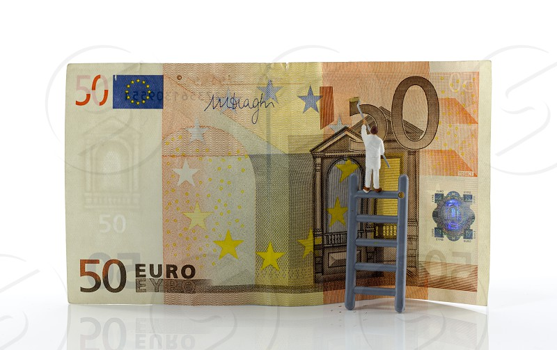 painting the fifty euro bank note by little people photo