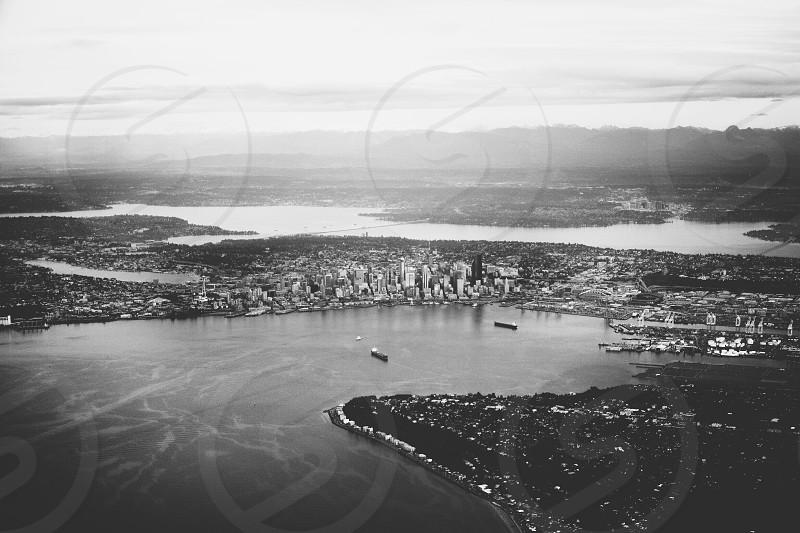 Delta Flight into SeaTac photo