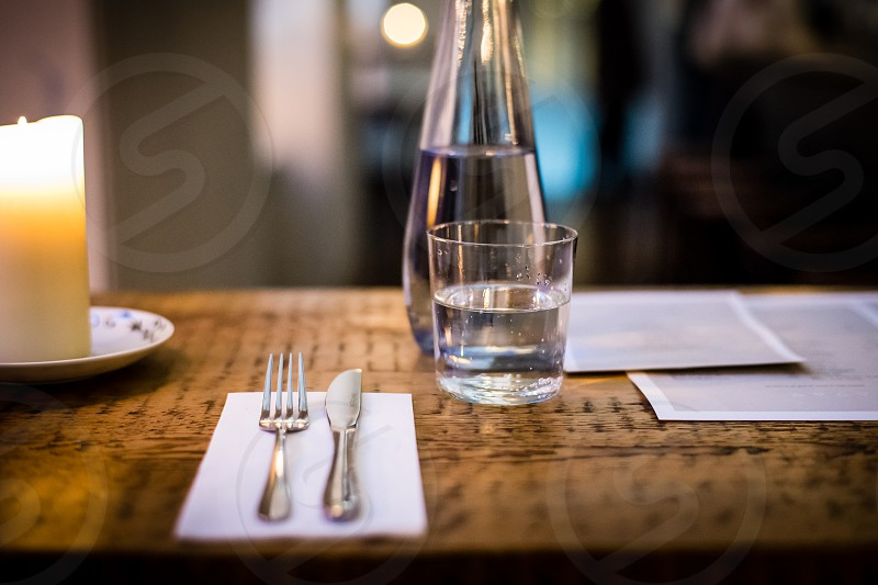 Restaurant - table / place setting photo