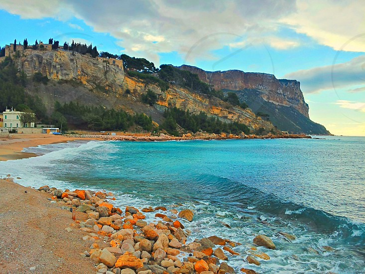 ocean with cliff view photo