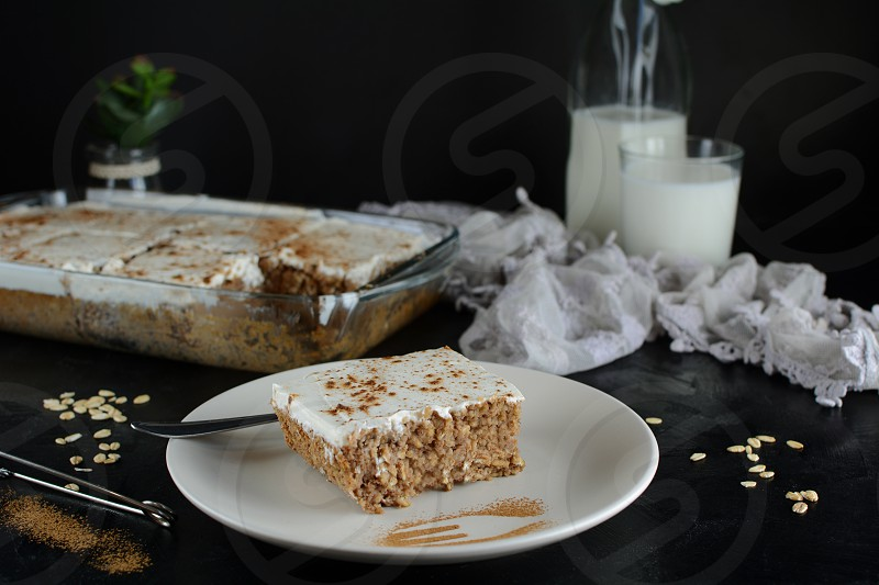 Zero Point Applesauce Cake with Oat Crust and Vanilla Greek Yogurt Topping - recipe preparation photos with ingredients and cooking method photo