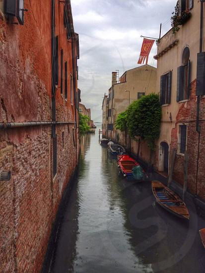 Canal boats buildings depth brickwork  photo