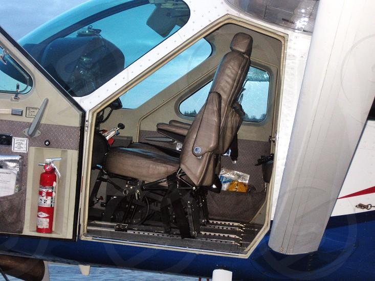 small high wing aircraft photo