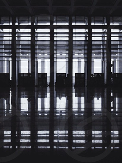 floor to ceiling partitions photo