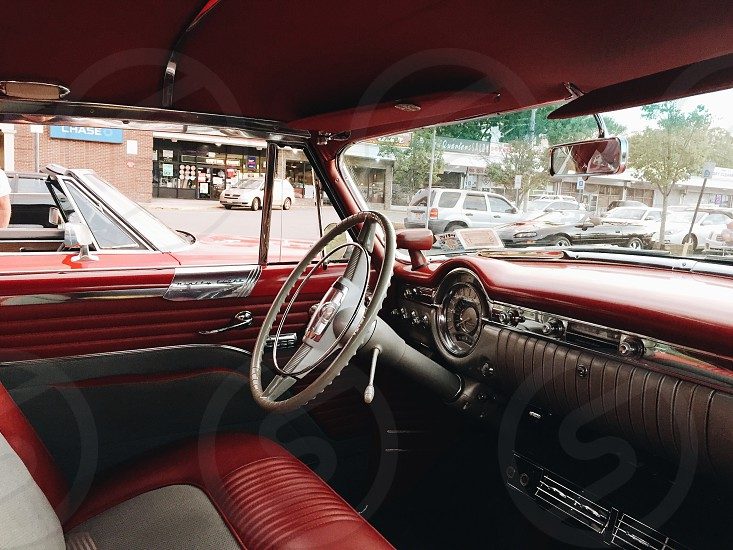 car saloon torpedo steering wheel photo