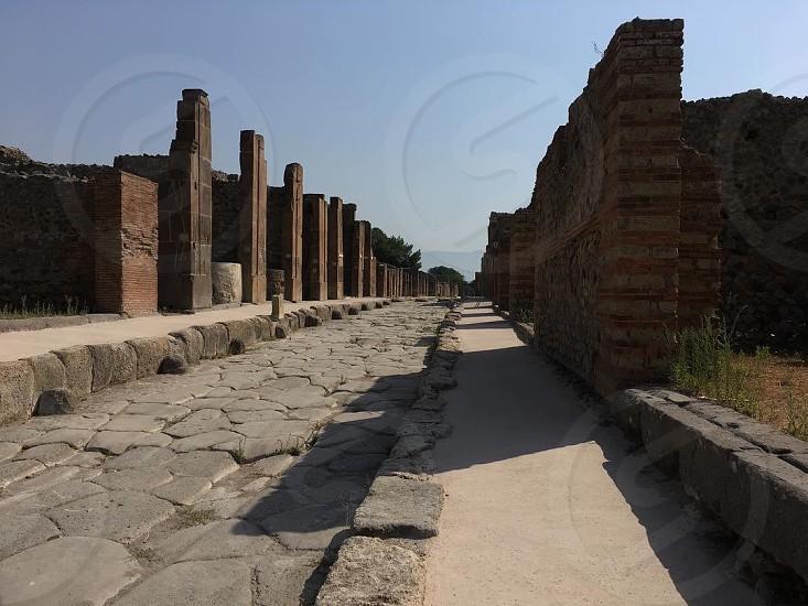 Pompeiitalyarchitecture twonancient daylightsun photo