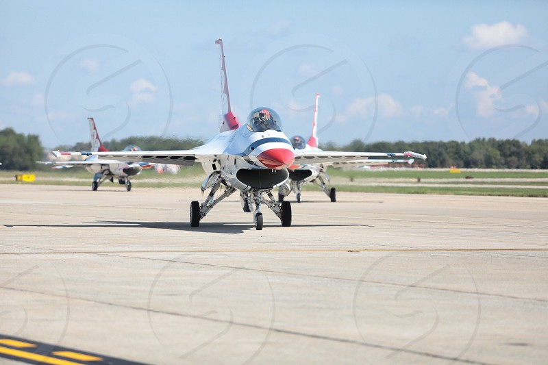 USAF Air Force Thunderbirds Aerial Demonstration team Air show aerial acrobats fighter jet F-16 fighting falcon viper demo team photo