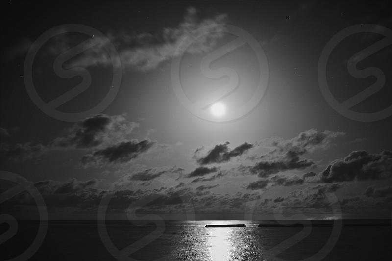 Moon rise. Maldives. island. Clouds. photo