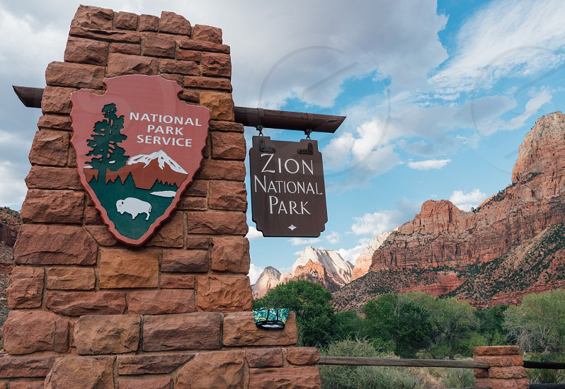 zion national park sign photo