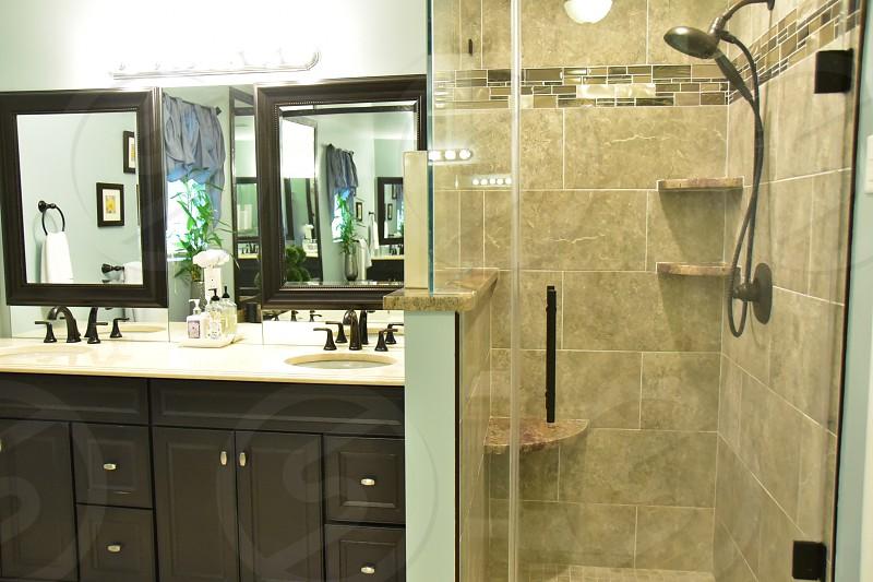 Bathroom Shower & Tub photo