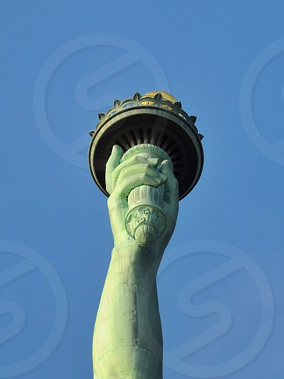 statue of liberty under blue sky photo