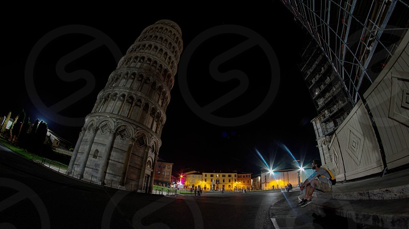 lean tower of pisa photo