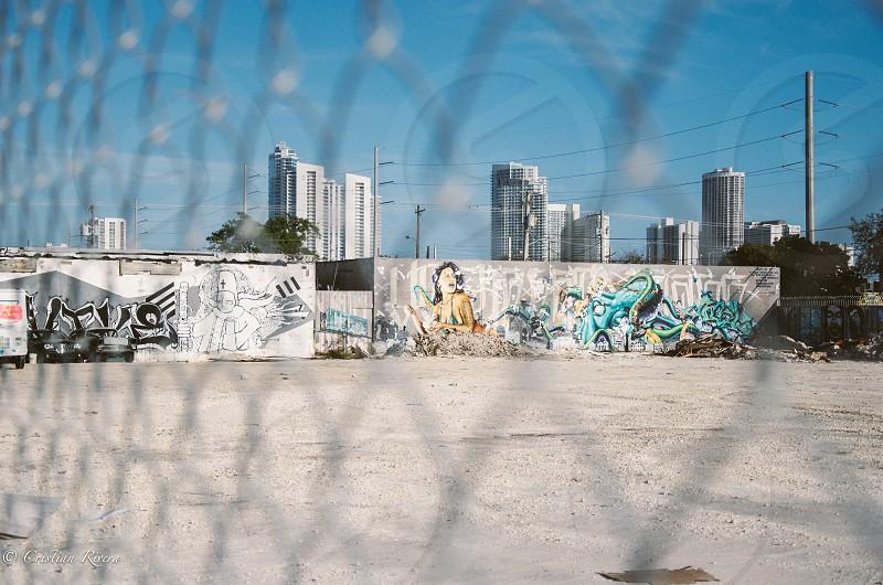 grey metal fence photo