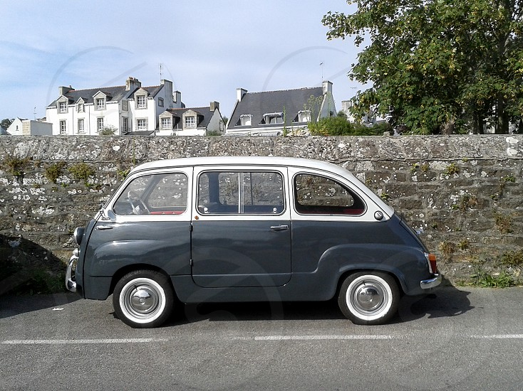 an old Italian seen in France. I think it's a Fiat 600 multipla. photo
