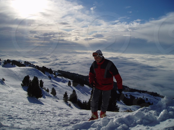 Skiing in France photo