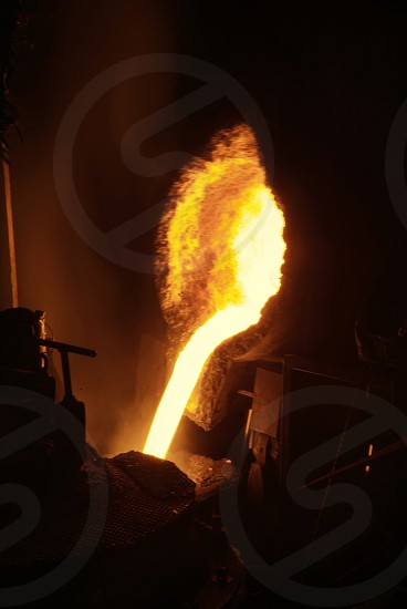 metal fusion in foundry photo