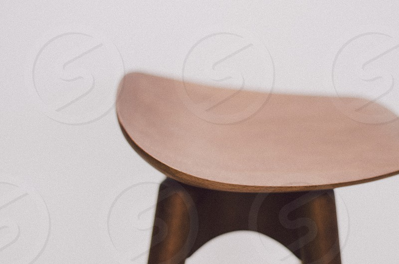 closeup photography of brown wooden stool photo