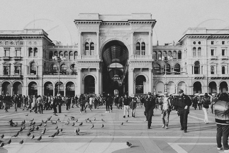 Milanp Galleria Vittorio Emanuele II Piazza del Duomo photo