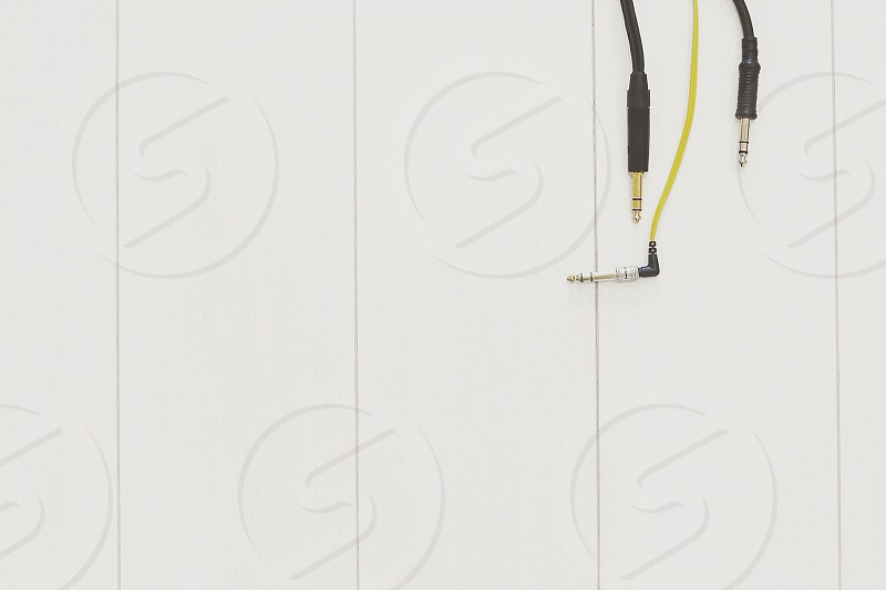 black and yellow audio cable photo