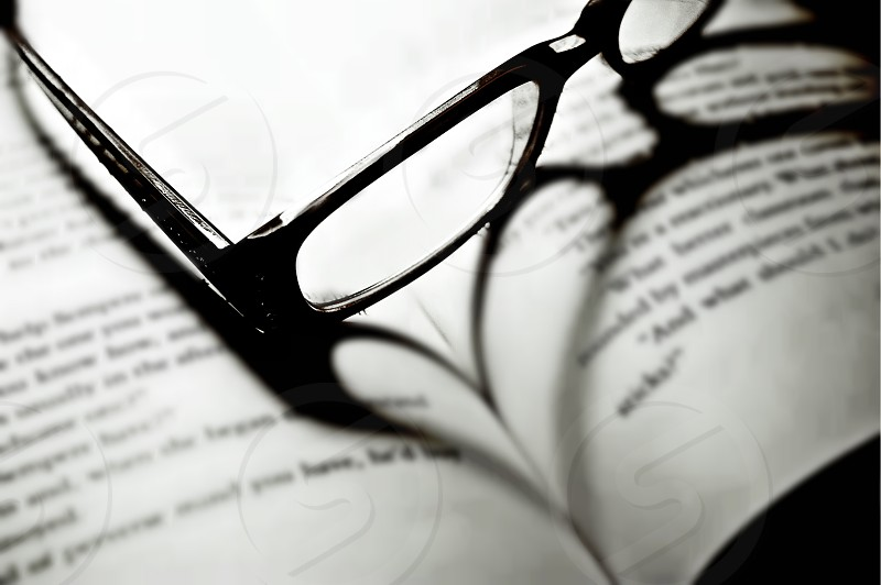heart glasses book shadow photo