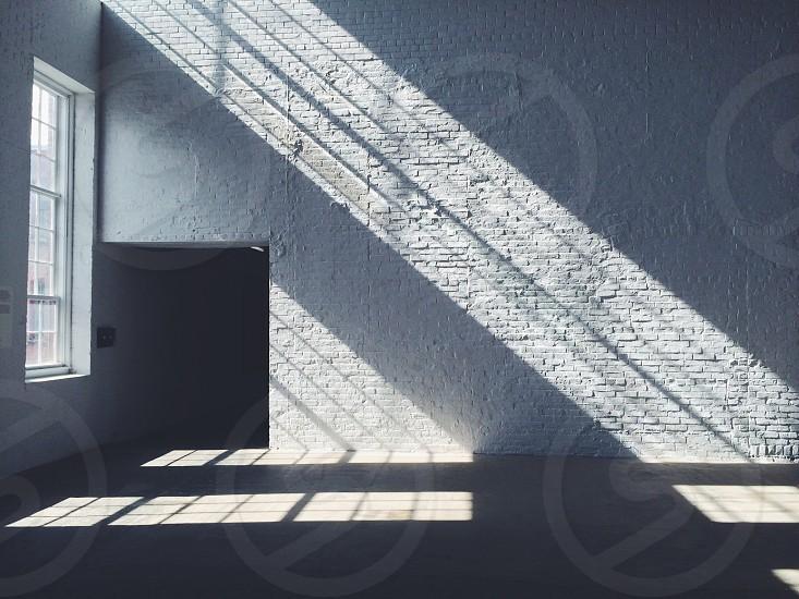 grey wall on empty room photo