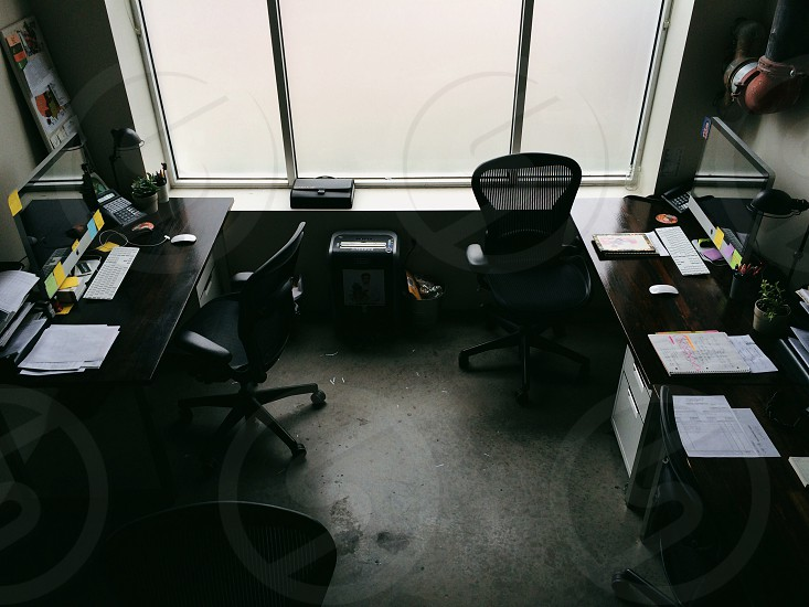 black office chairs photo